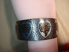 VINTAGE REED & BARTON DAMASCENE CUFF BRACELET WITH HEARTS & FLOWERS - NICE PIECE