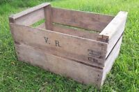 2 x VINTAGE WOODEN* APPLE FRUIT CRATES RUSTIC OLD BUSHEL BOX SHABBY CHIC