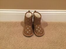 Gap Toddler Sherpa Boots Size 6, Tan w/Silver Hearts, New-never worn