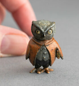TINY Vintage COLD PAINTED BRONZE Miniature WISE OWL Anthropomorphic Bird SIGNED
