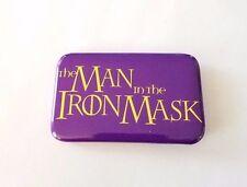 RARE 1998 THE MAN IN THE IRON MASK MOVIE PROMO BUTTON - LEONARDO DICAPRIO PIN