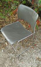 Chaise industrielle design signée David Rowland vintage (16 pièces disponible.)