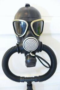 Gasmaske GP7 mit Schläuchen u.  Atembeutel u. Trinkschlauch Fetisch Breathplay