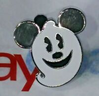Vintage Official Mickey Mouse Halloween Ghost Walt Disney World Rare Trading Pin
