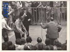 Escapologist Howard Peters magician VINTAGE Photo candid in London 1973