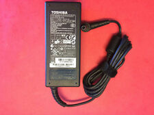 OEM TOSHIBA Satellite C655-S5132 L755-S5216 65w Laptop Power Supply Charger+Cord