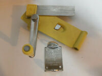 Vintage Collectible Kitchen Manual Swing-A-Way Wall Mount Yellow Can Opener