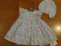 BNWT baby girl 3-piece Mothercare outfit. Dress, pants, hat. 0-3 mths      (2/1)