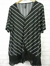 TS top black white striped V-neck short sleeve size M, 18