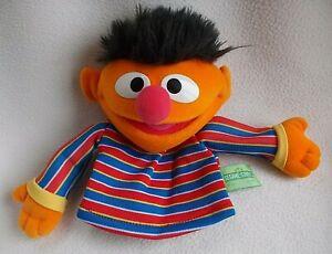 Rare Official GUND SESAME STREET ERNIE Hand Glove Puppet (2003) Soft Plush Toy