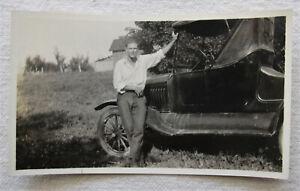 Vintage Photo*Handsome Man w/ Old Car*1920s*farm*Model T automobile*auto
