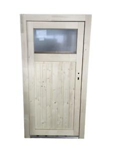 Rustikale Nebeneingangstür aus Holz, Modell R 527