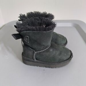 UGG Bailey Bow II Little Girls Toddler Size 6 Shoes Black Fur Lined Suede Boots