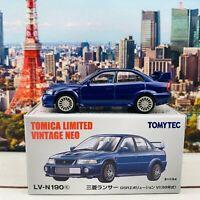 TOYOTA COASTER TOMICA LIMITED VINTAGE LV-184a 1//64 Restaurant Bonjour