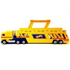 Vtg 1986 Hot Wheels Semi Truck Trailer Car Hauler Carrying Case Yellow Mattel