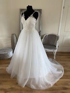 Bridal Gown/Wedding dress, Ball gown, Spaghetti Straps, Ivory, Size 14, BrandNew