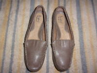 b.o.c BORN CONCEPT Beige SHOES WOMENS SIZE 7 M