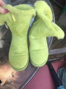 Lime green UGGs 7 Baily button Read