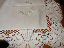 VINTAGE IVORY LINEN HAND EMBROIDERED TABLECLOTH COTTON LACE BORDER 114CM X 114CM