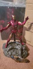 Hot Toys Marvel Avengers - Iron Man Mark VII Battle Damage 1/6 Figure