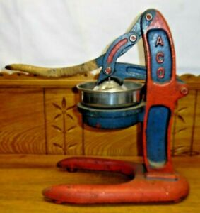 Vintage Country Cast Iron ACO Juicer