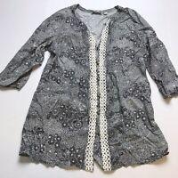 Isaac Mizrahi Live Size Medium Black White Floral Print Tunic Top A899