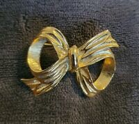 VINTAGE GOLDTONE TEXTURED bow BROOCH PIN Christmas lapel decor