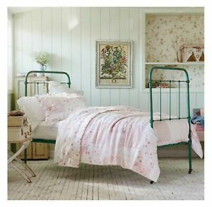 Rachel Ashwell Simply Shabby Chic Ditsy Pink Rose Floral Patchwork Quilt Set 2pc