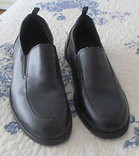 GEORGE BOYS BLACK SLIP-ON LOAFERS. SIZE 4. (PREOWNED).