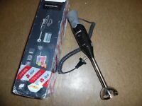 Siemens MQ67110 FQ.1 Stabmixer / 750 Watt / Edelstahl-Mixfuß, ohne Messbecher