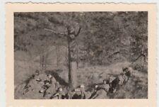 (F27264) Foto deutsche Soldaten, Rast im Wald nördl. v. Mühlhausen / Th. 1938