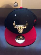 Chicago Bulls New Era Golden Finish Metal Logo 9FIFTY Adjustable Snapback Hat