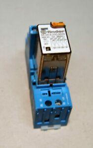 Finder Relais 230VC 7A (55.34.8.230.0050) mit Sockel Blau (94.04) mit LED