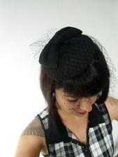 Mini chapeau bibi plat rétro vintage noir noeud feutre voilette résille pinup