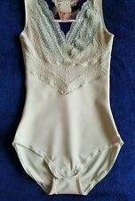 M&S SHAPING / SMOOTHING FIRM CONTROL  ''WEAR YOUR OWN BRA'' BODY SIZE 20 ALMOND