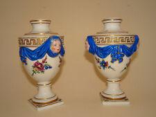 Paire de petits vases en porcelaine de Meissen.Allemagne.XVIII°.