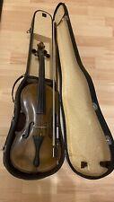alte  , stark gebrauchte Geige mit Bogen und Koffer