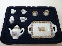 Dolls House Miniature 1:12th Scale Kitchen Crockery Pink Tea Set (G8454)