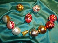 ~ 11 alte Christbaumkugeln Glocke Tropfen Glas pastell rot grün gold Weihnachten