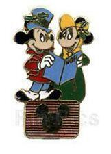 XMAS CAROLERS MICKEY & MINNIE Mouse On DISNEY CHANNEL LOGO LE EVENT VINTAGE PIN