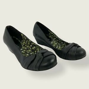 Rampage Black Jerald Pumps Wedges Womens Size 7.5 Knot Detail Water Resistant