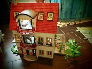 Playmobil Haus Mit Extra Stockwerk, Wintergarten, Genüsebewt Und Vielem Zubehör