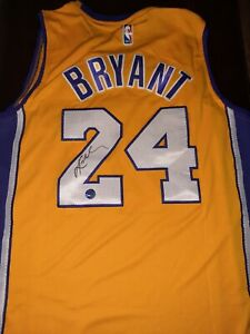 Autographs Kobe Bryant Jersey W/coa