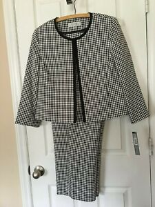 Womans Tahari Black n White gingham  Cropped Pant Suit - Size 14