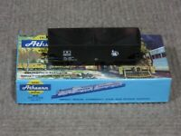 Athearn HO Scale Central of New Jersey (CNJ) 2-Bay Hopper Car Assembled Kit New