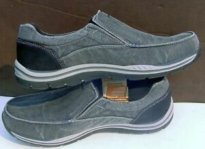 New Skechers Black Extra Wide Relaxed Fit Slip-on Loafers 64109EW Mens 14 NWT