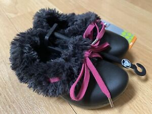 NWT CROCS GRETEL Girls Fur Winter Shoes Pink Black  C 6 7 Baby Authentic