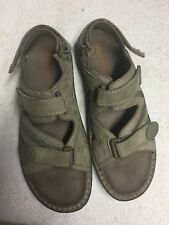 Merrell Men's Gray Leather Cross Strap Foot Bed Casual Sandals Size 13 Medium M