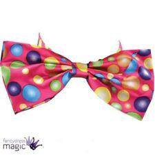 Complementos multicolores de punto para disfraces y ropa de época