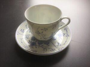 August Warnecke Dekor Friesisch Blau Kaffeetasse mit Untertasse